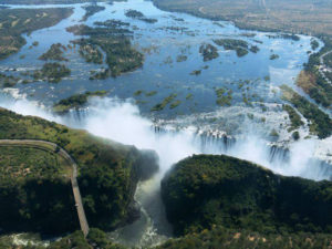 Vic-Falls-Smoke-that-thunders